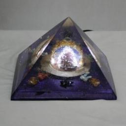 PiramideQ_LuminariaA3 001_AmbPiramideQUEOPS_web